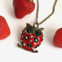Necklace with owl pendant, red