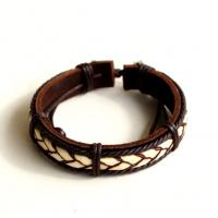 Surfer leather bracelet with hemp cord