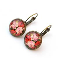 Cabochon earrings with flowers