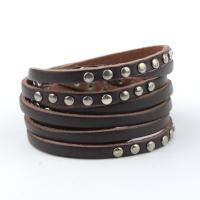 Leather bracelet with rivets in brown