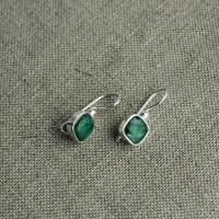 Emerald earrings square